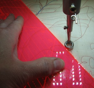 longarm rulers, longarm templates, how to use longarm rulers, how to use longarm templates, extended base, APQS, longarm quilting, tutorial, how to