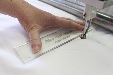 How do you properly use rulers when you quilt apqs apqs longarm quilting longarm ruler longarm template how to quilt with rulers pronofoot35fo Images