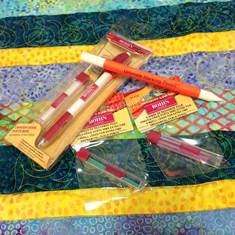 mark a quilt top, how to, tutorial, chalk, fabric pens, erasable pens, APQS, longarm quilting, longarm quilting tips