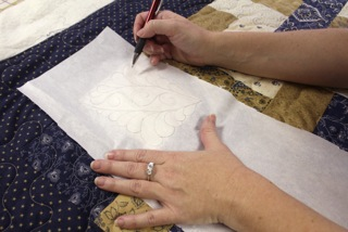 how to audition designs on your quilt top, tutorial, APQS longarm quilting