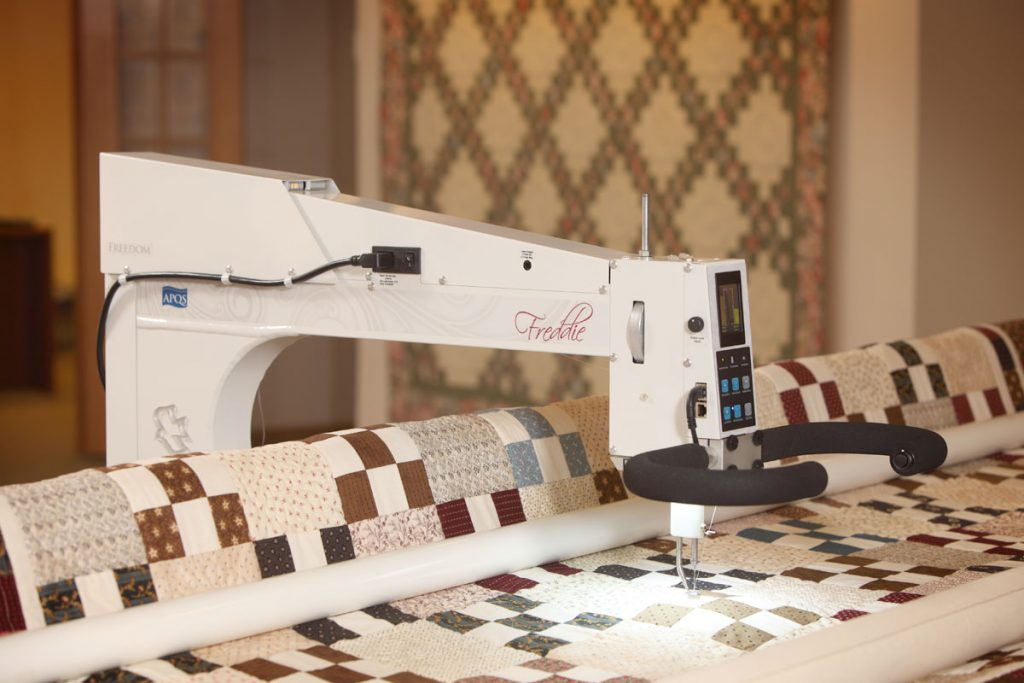 Are You Ready For A Longarm Quilting Machine APQS Fascinating Best Sewing Machine For Quilting Large Quilts
