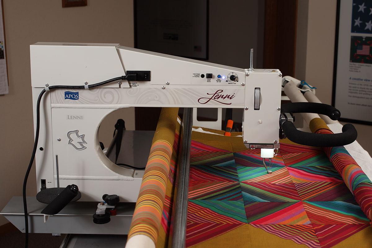 Lenni longarm quilting machine   APQS : apqs quilting machine - Adamdwight.com