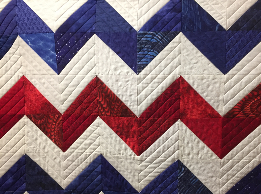 quilt show tips, quilt shows, dawn cavanaugh, apqs quilting, straight lines, curved lines, quilt shows, longarm quilting