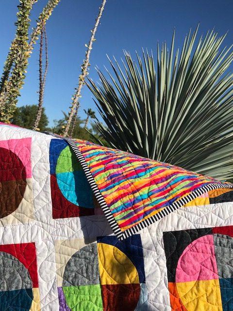 Free quilt pattern: Round and Around | APQS