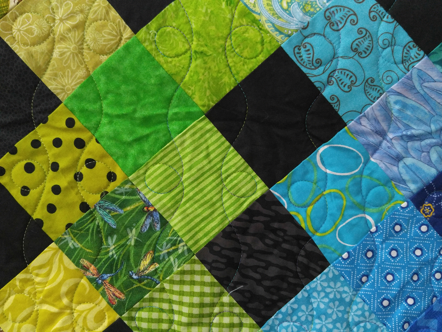 Julia Graves, apqs, apqs quilting, rainbow drpos, longarm quilting, free pattern,