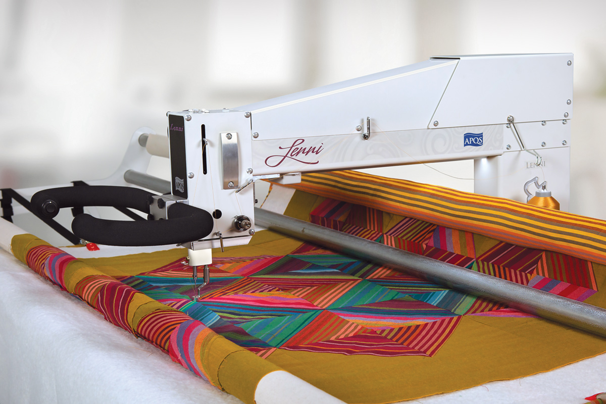 Gallery: Lenni Quilting Machine - Hero shot of longarm quilting machine