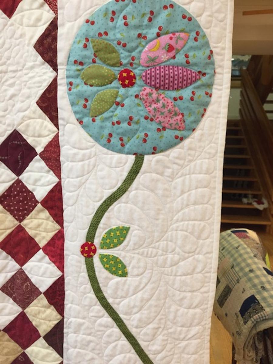 Decorative floral quilt