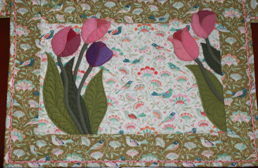 "Complete ""Springtime tulip"" placemat."