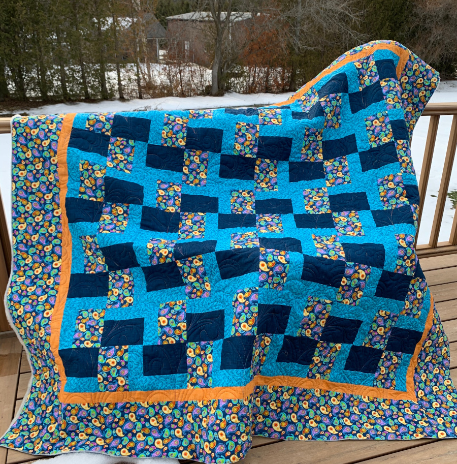 Displayed Chunk It Up quilt.