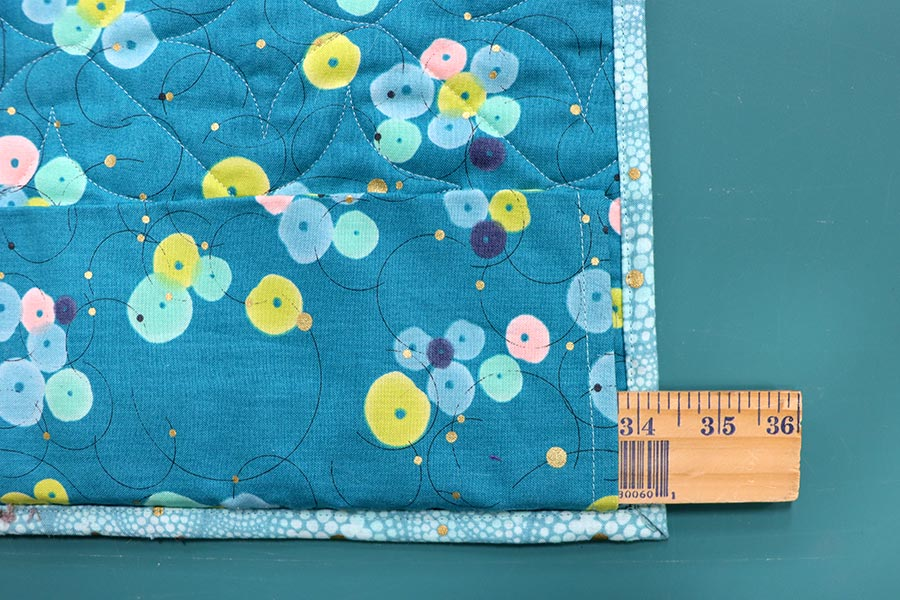 Hanging sleeve for quilt
